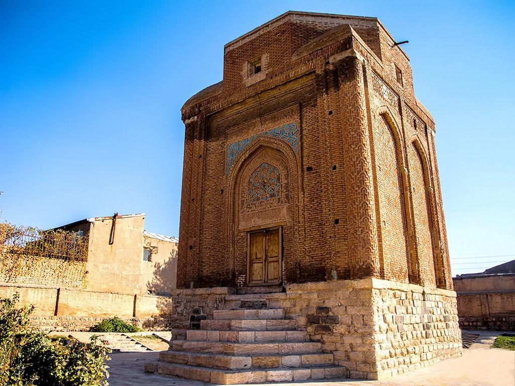 पूर्वी अजरबैजान-गोनबाद-ई सोरख