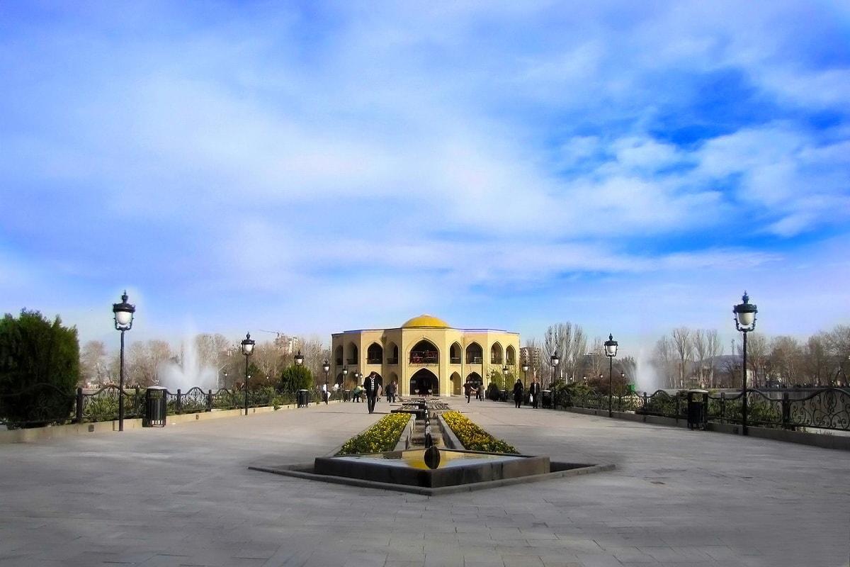 东阿塞拜疆 -  El-Goli宫