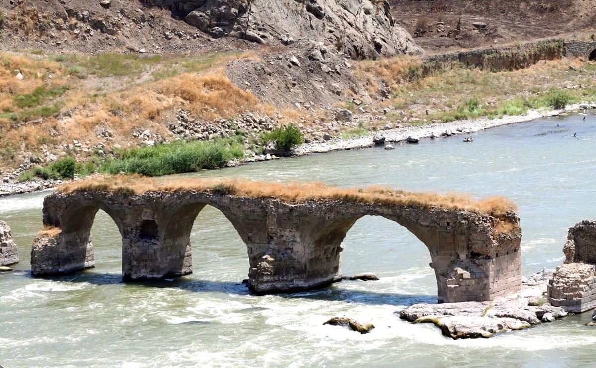 동부 아제르바이잔 - Khodā Āfarin 다리