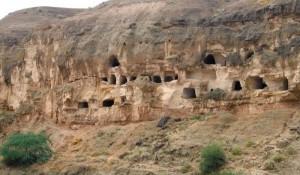 La Grotta storica di Chehel Khane