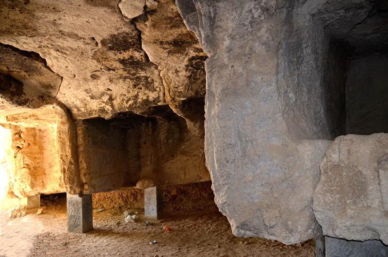Varret e lashtë të ishullit të Kharkut