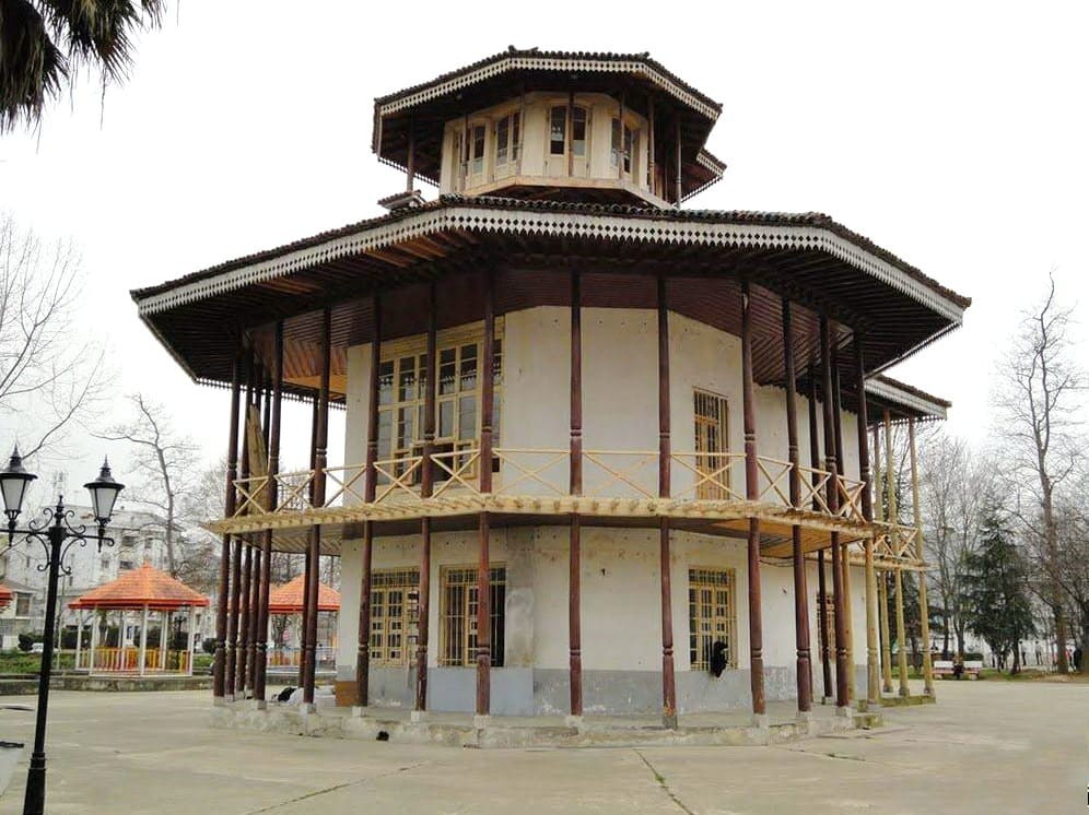 Gilan-L'Edificio Di Kolah Farangi