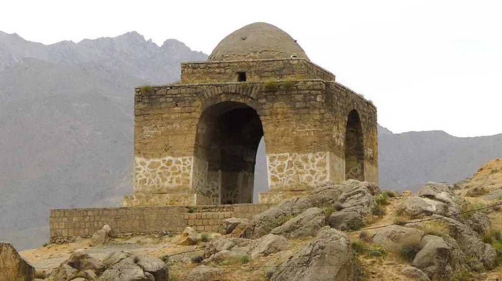 Il Tempio Di Fuoco Di Niasar