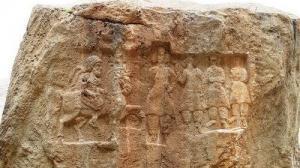 I rilievi rupestri di Khunag Azhdar