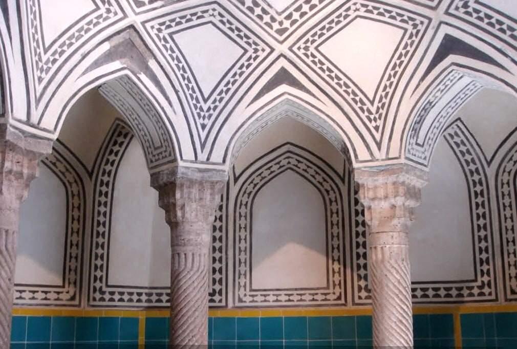 कुर्दिस्तान - एसेफ के ऐतिहासिक भवन के स्नान