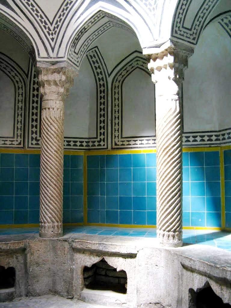 쿠르드 스탄 (Kurdestan) - 아 세프 (Asef) 역사적 건물의 욕탕
