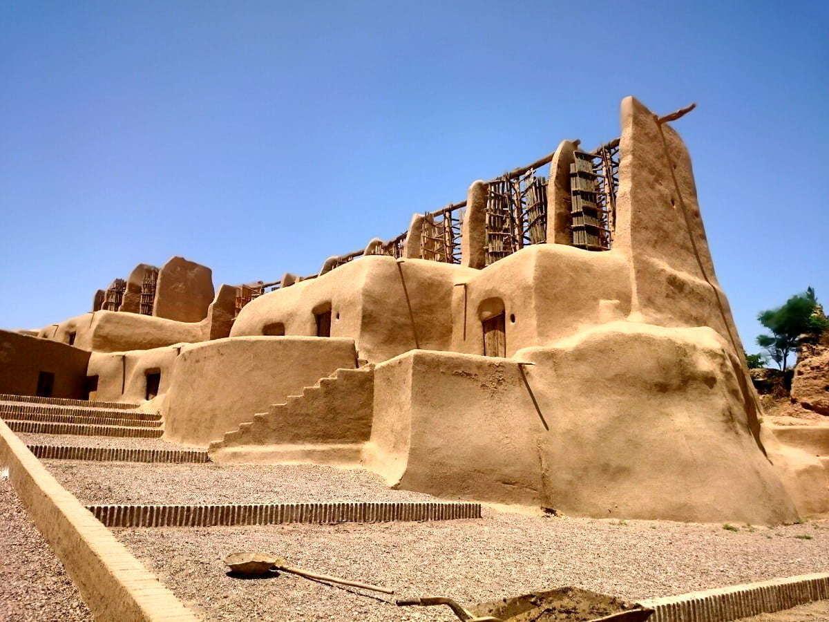 Il Castello Di Falak-Ol-Aflak