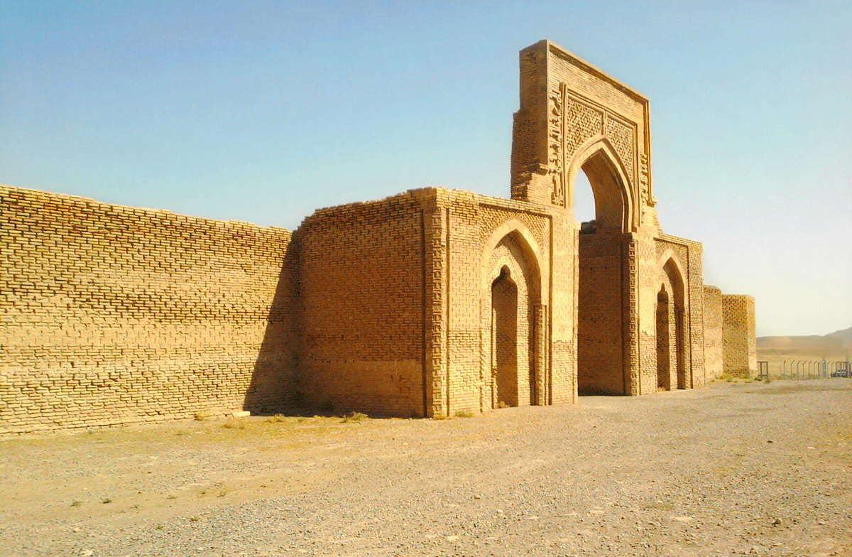 Mashahd-Caravanserraglio Robat Sharaf