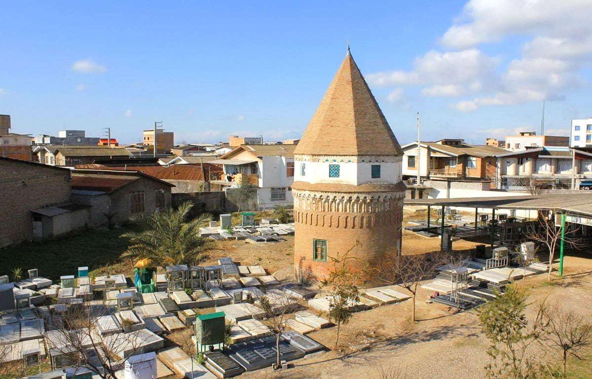 Il Mausoleo Di Darvish Fakhr Al Din