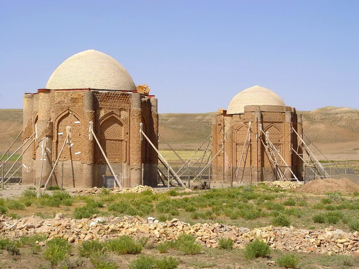 Qazvin-Twin towers Kharraqān