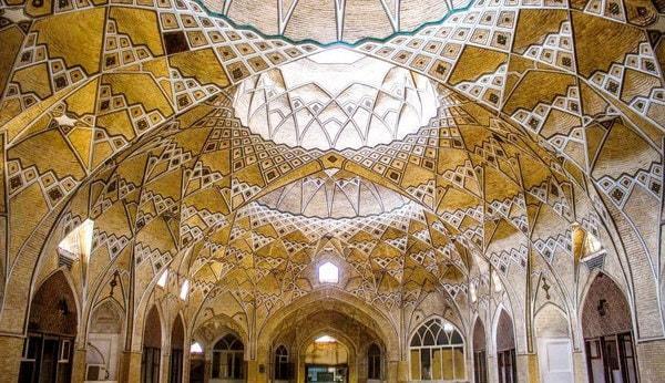 La Grande Galleria coperta del Bazar di Qom