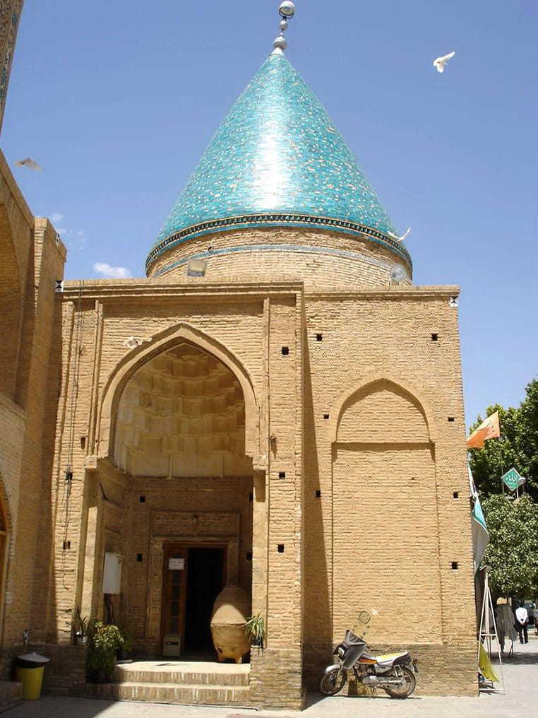 Սեմնան - Բայազիդ Բաստամիի դամբարանը