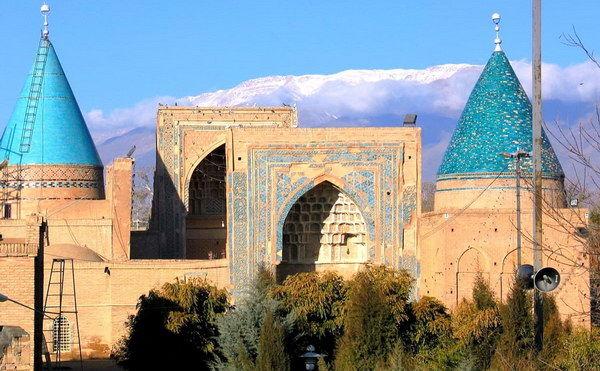 Il Mausoleo Di Bayazid Bastami