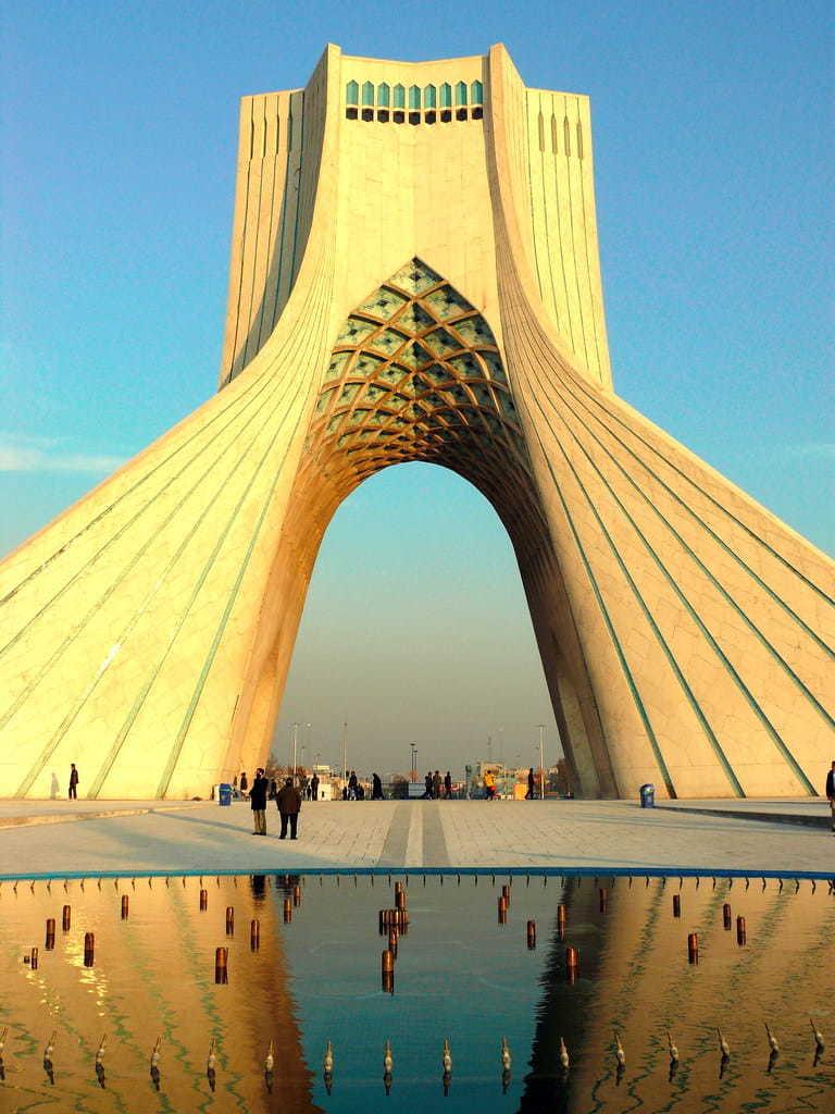 Tehran-Torre Azadi e museo