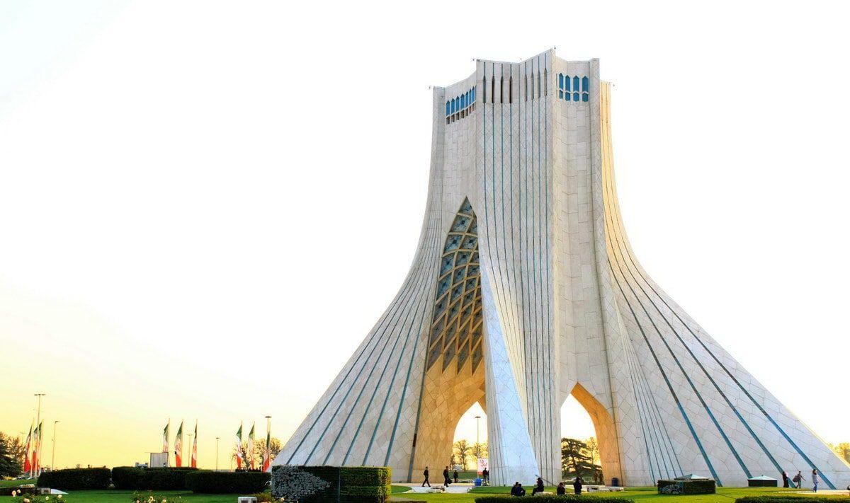 Kulla e Teheranit dhe Azadi dhe muzeu