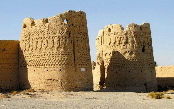 I caravanserragli lungo le strade tra esfahan e yazd