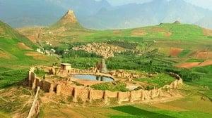 Slottet av Takht-e Soleyman