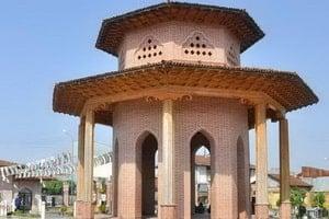 Mausoleo di Mirza Kuchak Khan Jangali