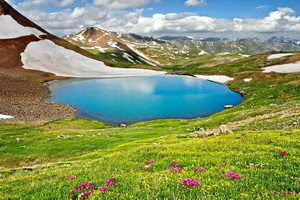 Lago Kuh-e Gol