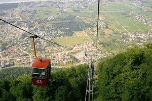 Кабинков лифт на Намак Шбруд