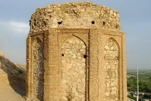 Naghāreh khāneh tower
