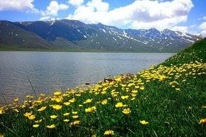 Езерото на No'ur