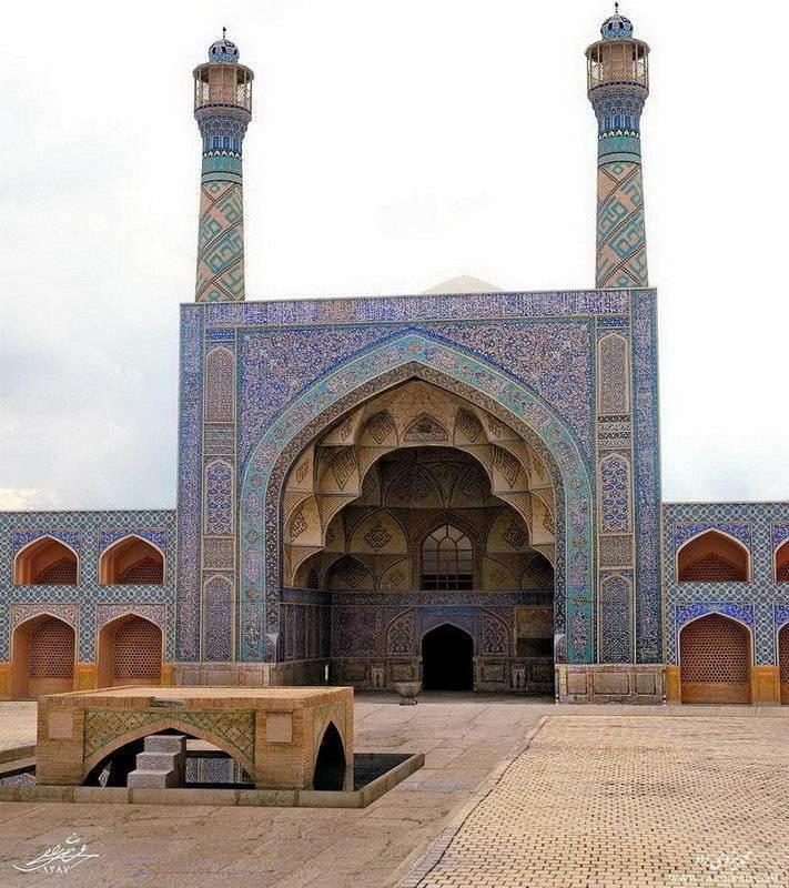इस्फ़हान-जोमे मस्जिद (शुक्रवार मस्जिद)
