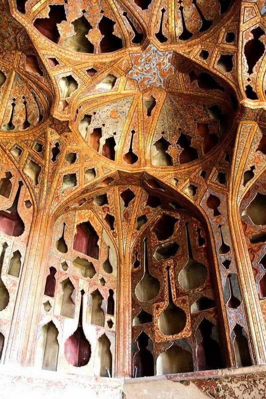 Esfahan- Palazzo Ali Qapu (ghapoo)
