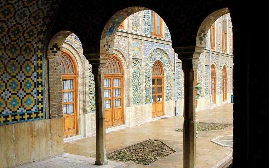 Tehran-Khalvat-KarimKhani-Hozkhane