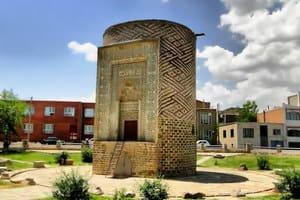 Torre Se Gonbad