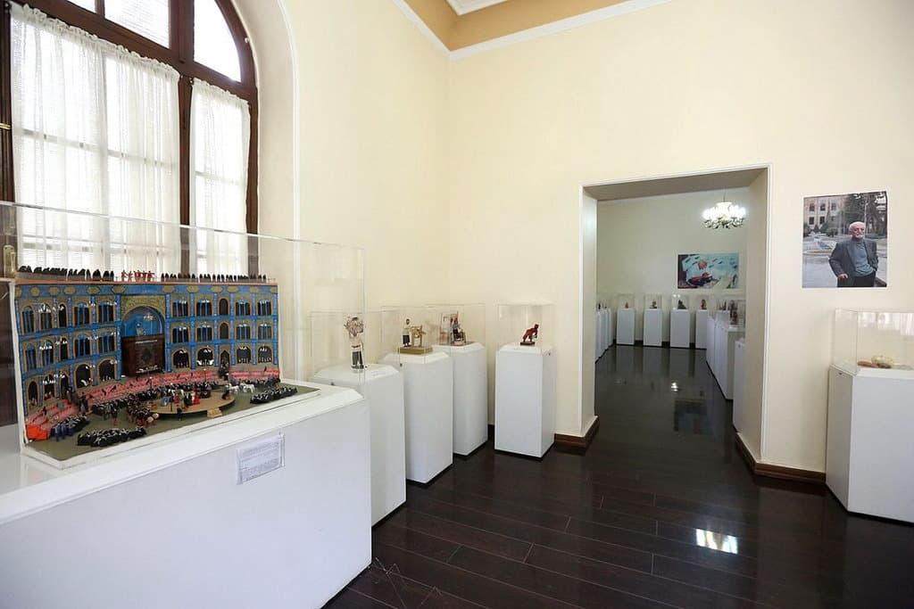 德黑兰-尼加雷斯坦花园-卡马尔·阿莫克博物馆