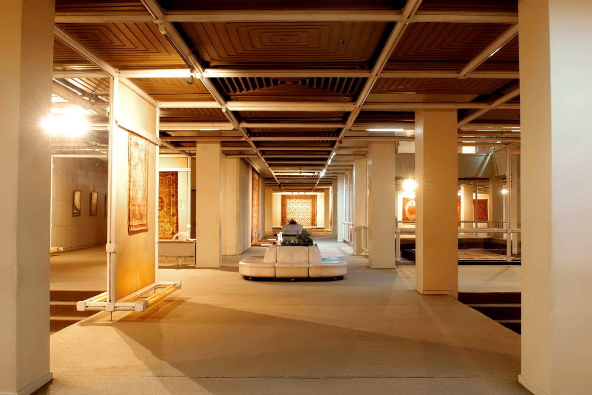 Museum Tehran, et Blue Carpet Persici