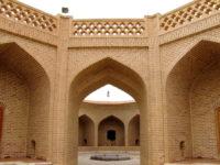 Yazd-Caravanserraglio-Di-Shahzadeh-Kharanagh-1-min