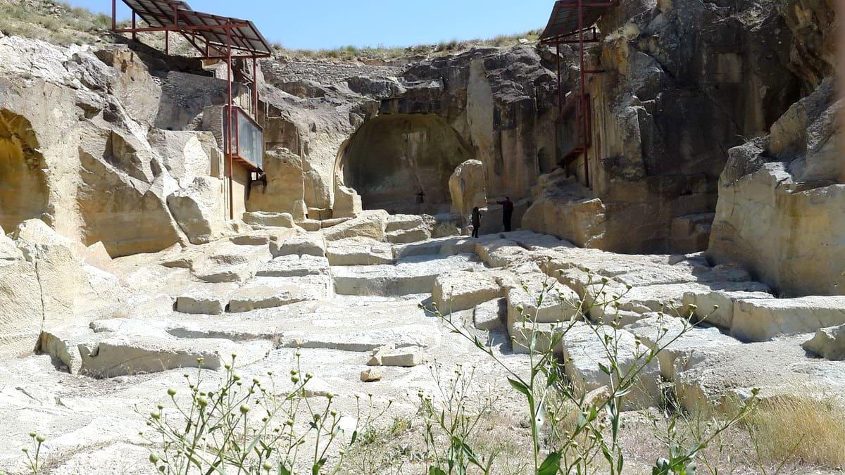 Զանջան-տաճար Dash Kasan