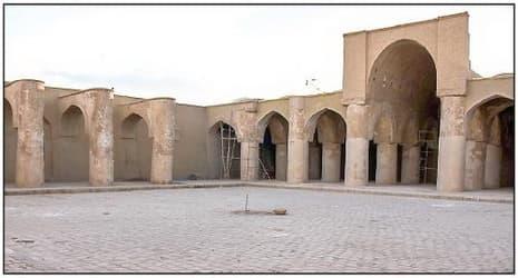 ICESCO遺産リストにあるイラン最古のモスクのタリカネ