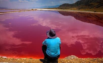 イランの壮大なマハルルー湖
